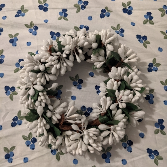Snowdrop Candle Wreath